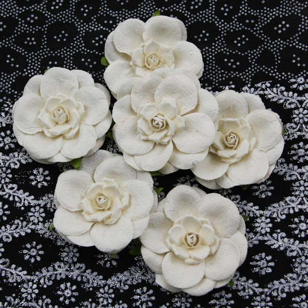 532048-alabasterflowers-adonnab