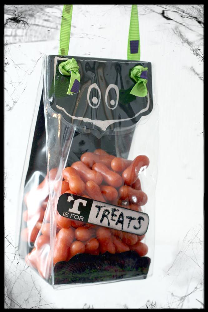 Halloween prima bag hanging m brush
