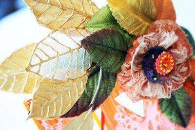 Halloween njulie VotiveCandleHolder-detail-sm-1