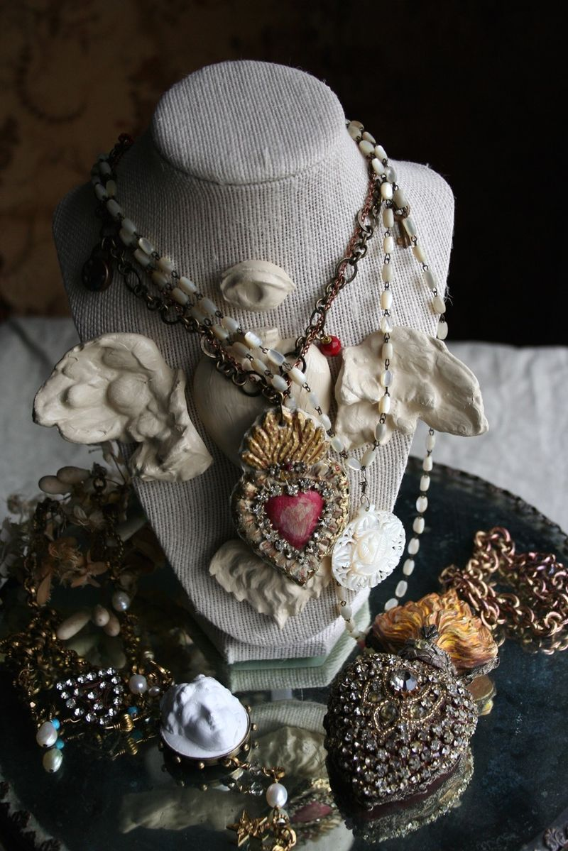 Relics sandra jewelry bust2
