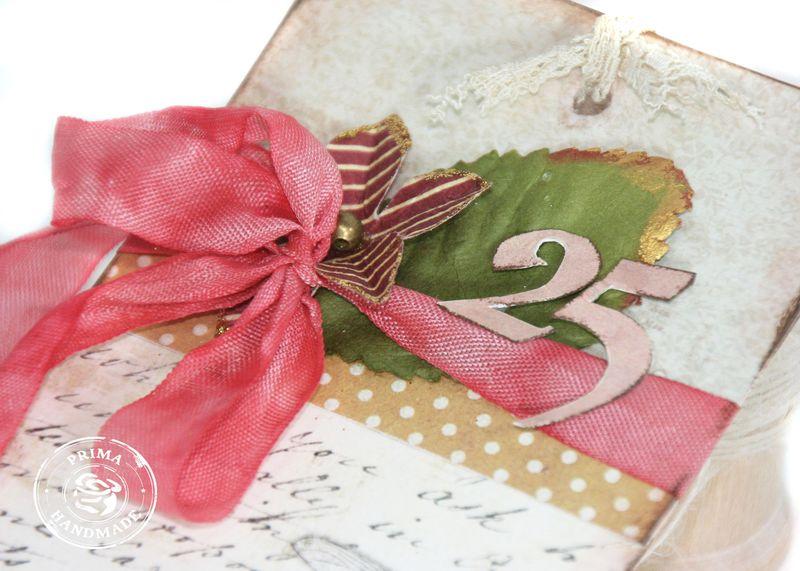 4 iod Joyeux Noel close up 2
