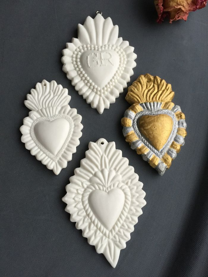 Relics sandra white heart